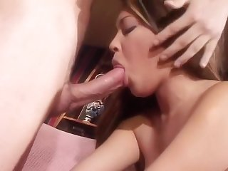 Dome Polishing Brunette Giving A Rimjob