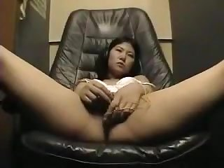 girl masturbating in video room part 4